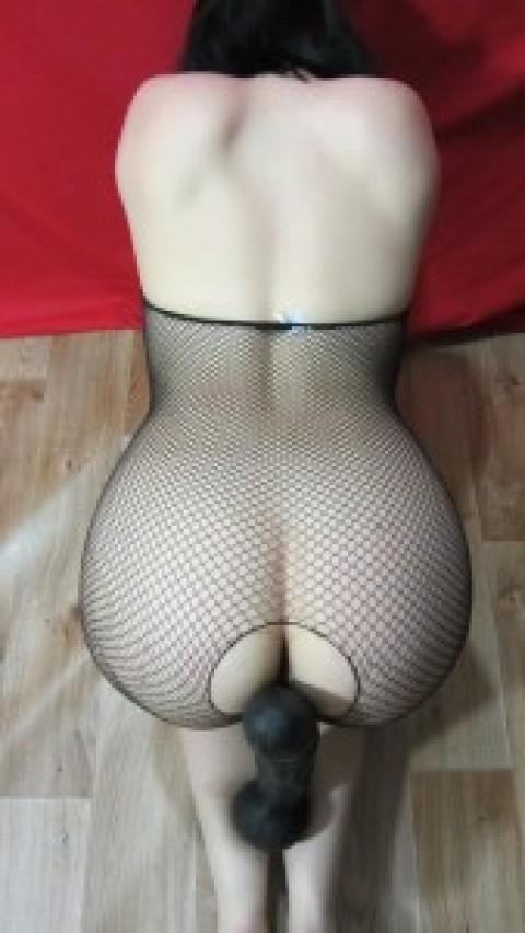 Хорошенькая девочка хочет пошалить. Пошли ко мне в скайп lily8172 Покажу свою волосатенькую пи….. и шикарную задницу!