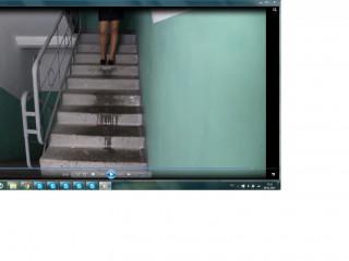 Золотой дождь в подъезде, скрин из видео ролика. скайп: luba.8899, почта: cool.lybasha20@yandex.ru